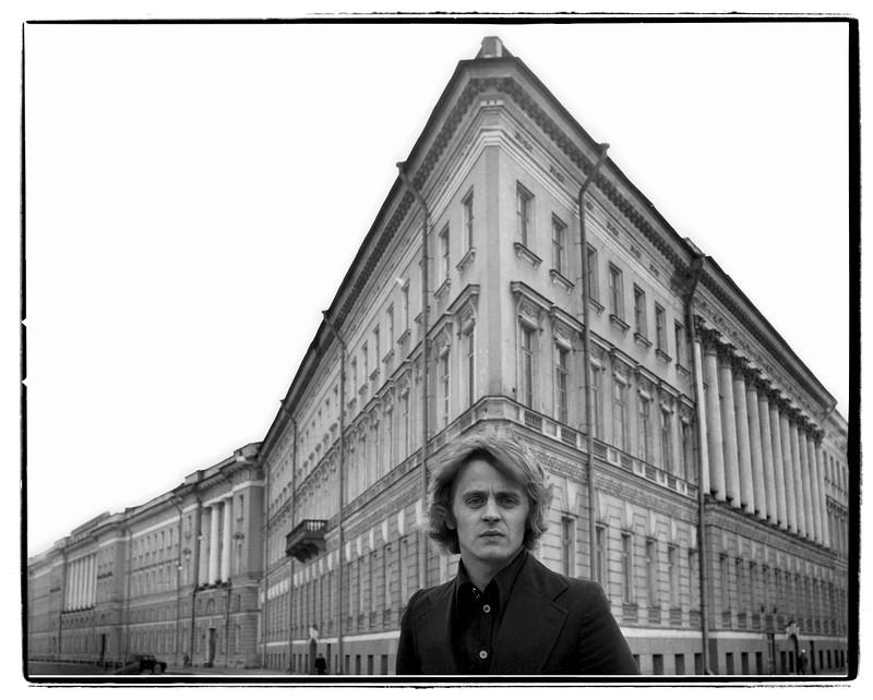 Предпоказ выставки «Кино-Театр Валерия Плотникова»